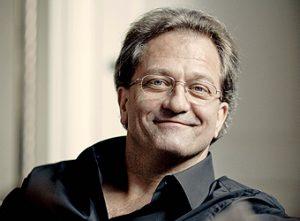Bild på dirigenten Gérard Korsten