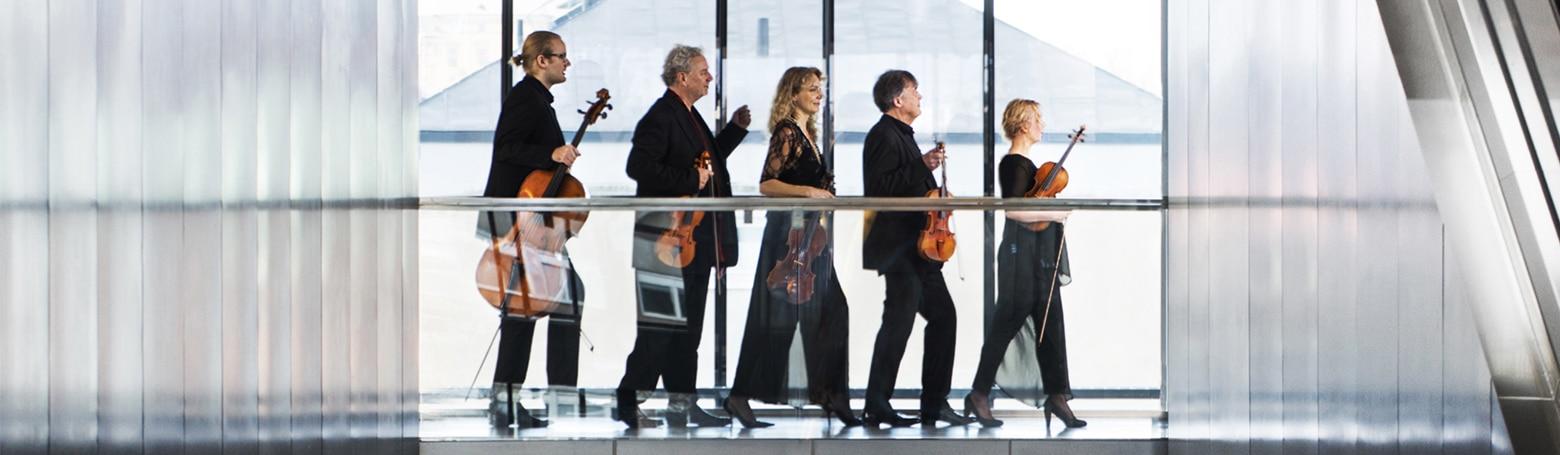 Erik Wahlgren, cello, Nils-Erik Sparf, violin, Susanne Magnusson, viola, Bernt Lysell, violin, Klara Hellgren, violin