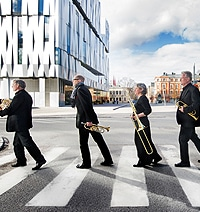 Linnékvintetten på övergångsställe, fotograf: Stewen Quigley