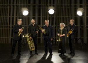 Linnékvintetten, Bengt Fagerström, trumpet, Alexander Skylvik, tuba, Lennart Stevensson, horn, Birgitta Lagerstedt, trombon, Paul Hägglöf, trumpet