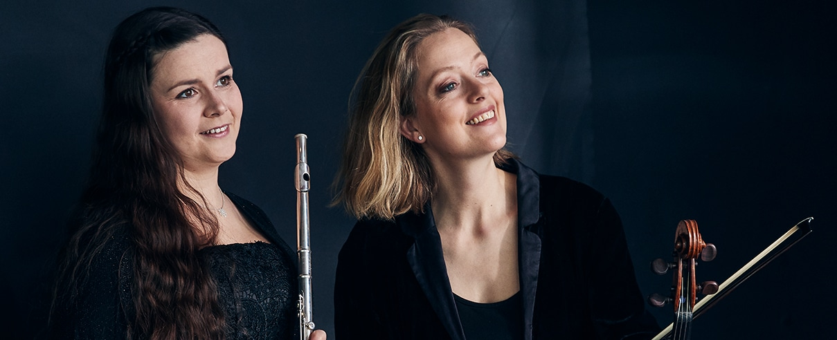 Flöjtist Hanna Gustafsson och altviolinist Ylva-Li Zilliacus