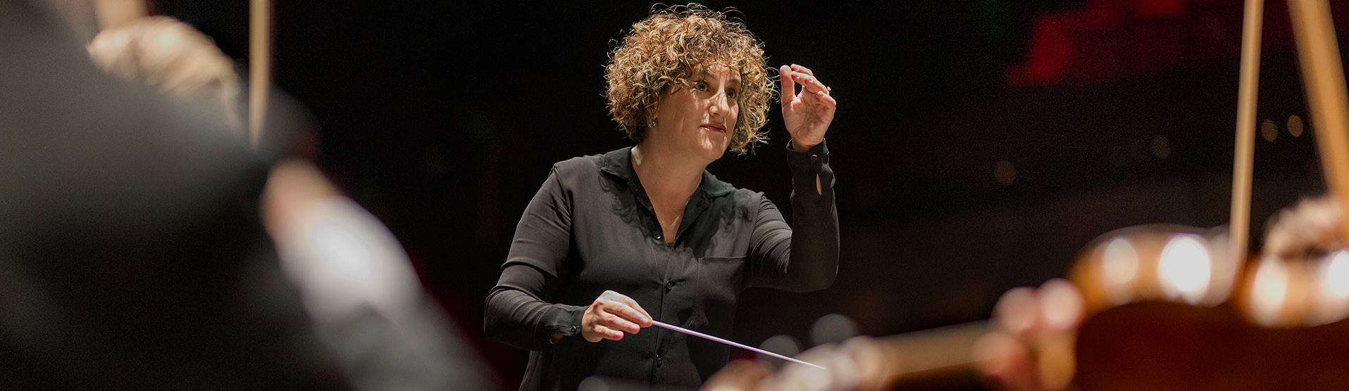 Rebecca Miller dirigerar