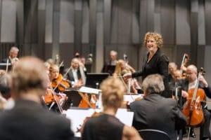 Rebecca Miller, dirigent