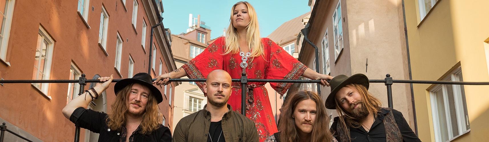 Lisa Lystam family band
